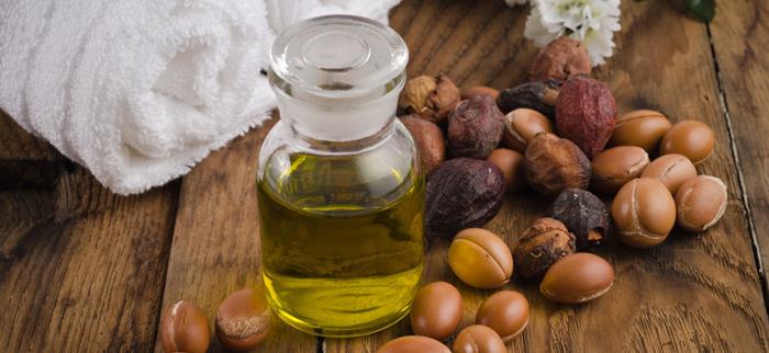 olejek arganowy i owoce arganii