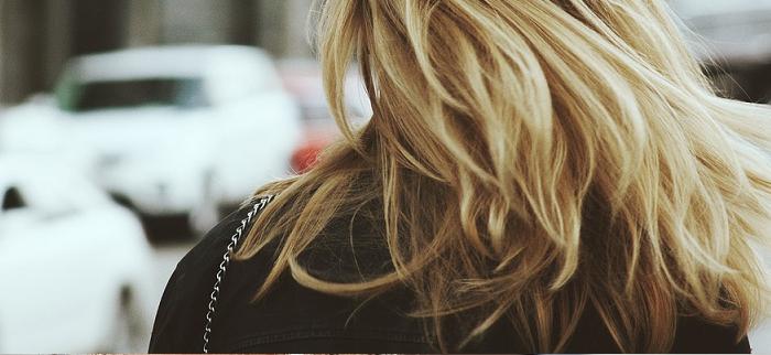 suplementy na porost włosów