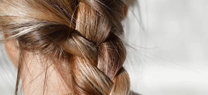 pozytywny wpływ na włosy