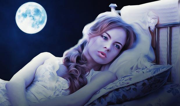 kobieta, ksieżyc i bezsenność